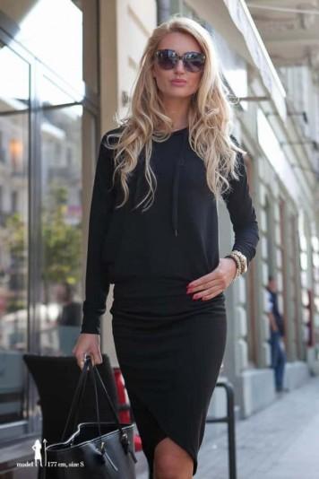 Trendy čierna súprava mikina a sukňa