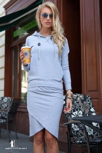 Trendy sivá súprava mikina a sukňa