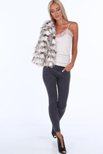 Sivé dámske džínsy s perlami na spodku nohavice