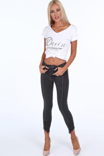 Čierne dámske džínsy s dekoratívnym prešívaním a zipsom