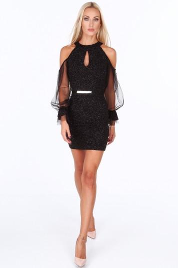 Čierne elegantné dámske šaty s odhalenými ramenami