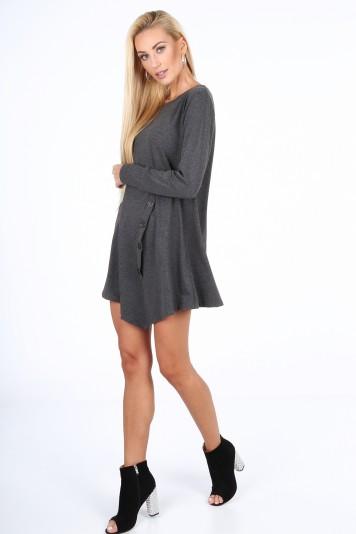 Moderné šaty s dekoratívnou klapkou a gombíkmi, šedé