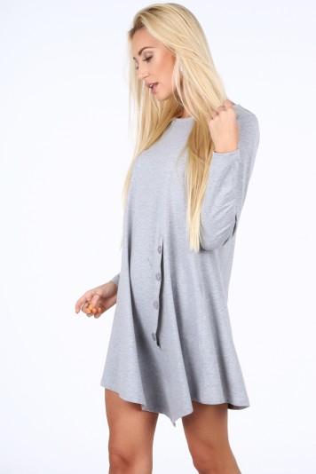Moderné šaty s dekoratívnou klapkou a gombíkmi, sivé