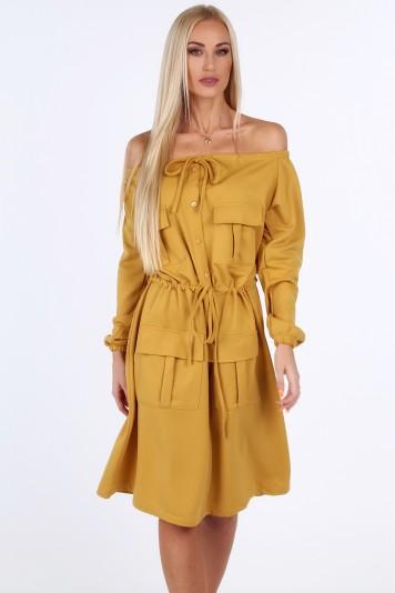 Horčicové šaty s holými ramenami