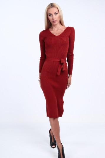Svetrové šaty s výstrihom tvaru V, červené