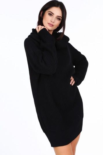 Čierny dámsky sveter s veľkým golierom