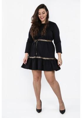 Granatowa sukienka Plus Size z falbaną na co dzień  B09