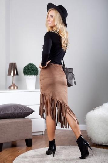 Asymetrická čokoládová midi sukňa i v etno štýle
