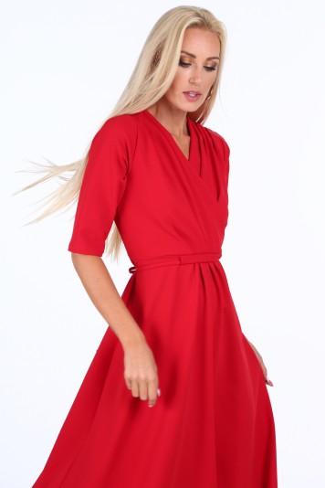Červené elegantné dámske šaty s výstrihom v tvare písmena V