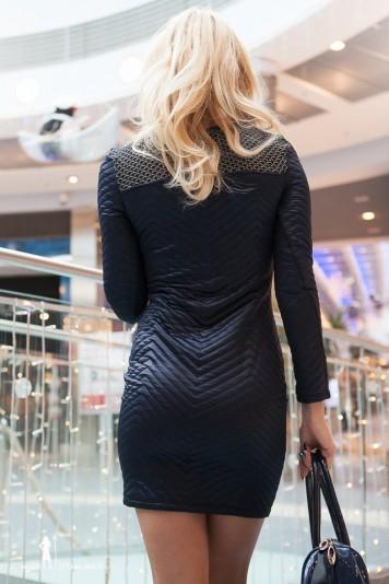 Čierne šaty s aplikáciam