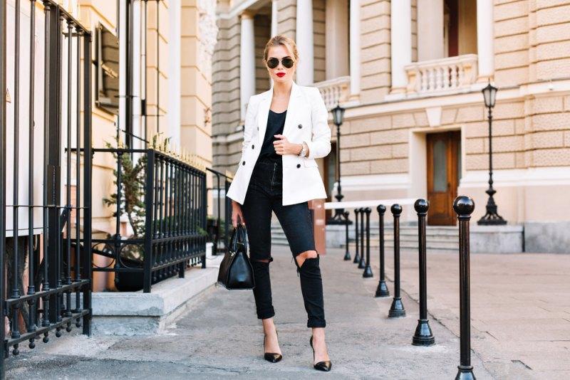 Outfit s džínsami