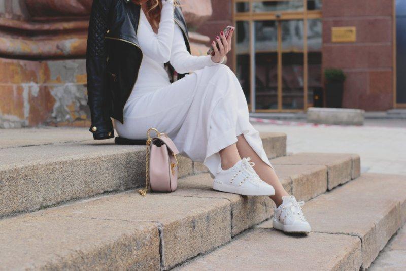Biele tenisky so šatami