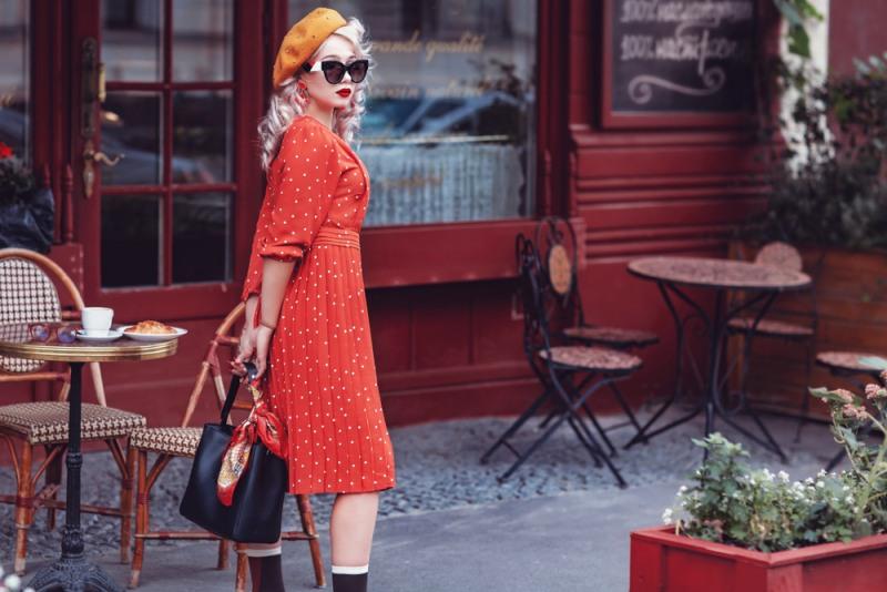 Baretka je skvelý doplnok v outfite inšpirovanom Francúzskom.