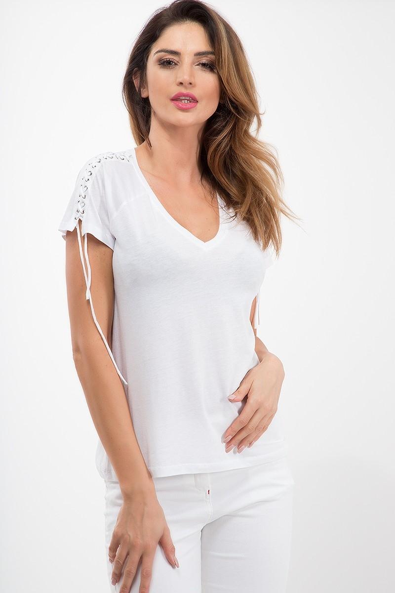 Najjednoduchšie je bielenie bavlneného oblečenia.