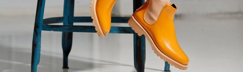 Členkové gumené topánky sú výbornou alternatívou vysokých čižiem.